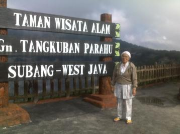 My Mom @Tangkuban Parahu